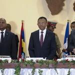 De gà dr : le premier ministre Jean Ravelonarivo, le président Hery Rajaonarimampianina et le SG de la COI Jean Claude de l'Estrac (ph PRM)