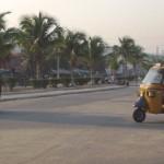 Le bajaj est roi dans les rue de Majunga
