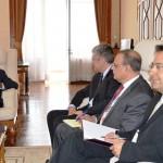 Une délégation de la FMI reçu par le président Rajaonarimampianina.( A droite, Patrick Imam, Représentant résident du FMI à Madagascar). Ph : Prm 2015.