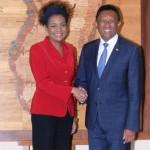 La SG de l'OIF Michaëlle Jean et le président Hery Rajaonarimampianina, en mars 2016