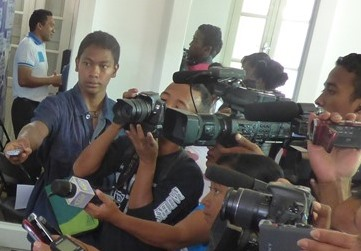 Rappel à l'ordre des journalistes, autocritique ou autocensure ?