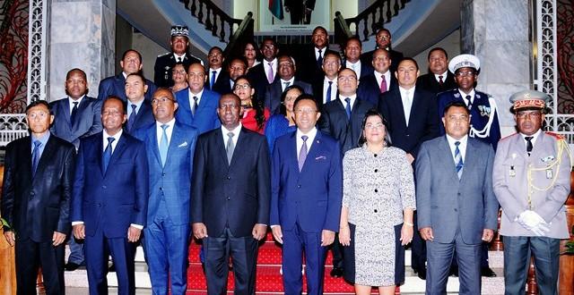 Y-a-t-il des hommes forts dans le gouvernement Mahafaly à part lui-même ?