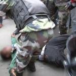 Les gendarmes Malgaches sont souvent réputés pour leur agressivité.