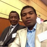Le journaliste Fernand Cello, avec le président de l'Ordre des journalistes lors d'une réunion à Antananarivo