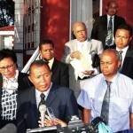 Les maires, membres de l'AMGVM, à l'issue d'une récente rencontre avec le chef du gouvernement.
