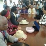 Les proches de l'ancien président Albert Zafy rencontrent le maire de la capitale Lalao Ravalomanana et ses proches collaborateurs.