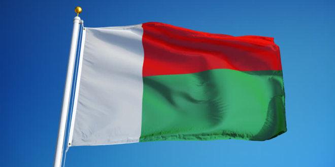 Le temps de hisser le drapeau national