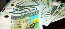 Une nouvelle stratégie pour améliorer l'accès de la population aux services financiers